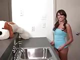 Teengirl zeigt sich beim Duschen