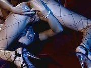 Lesben Mösen werden mit dem Dildo gebumst
